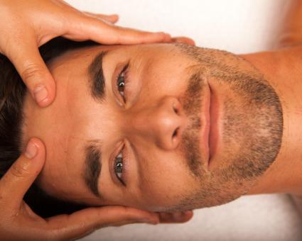 Gesichts- und Ganzkörper-Massage