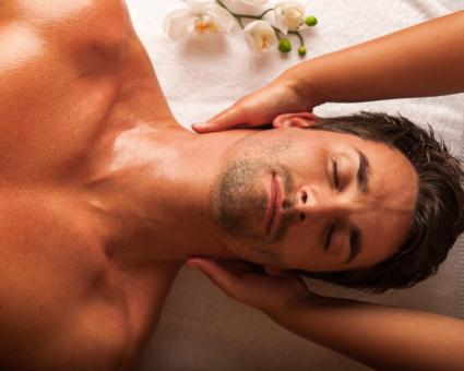 Gesichts- und Nacken-Massage
