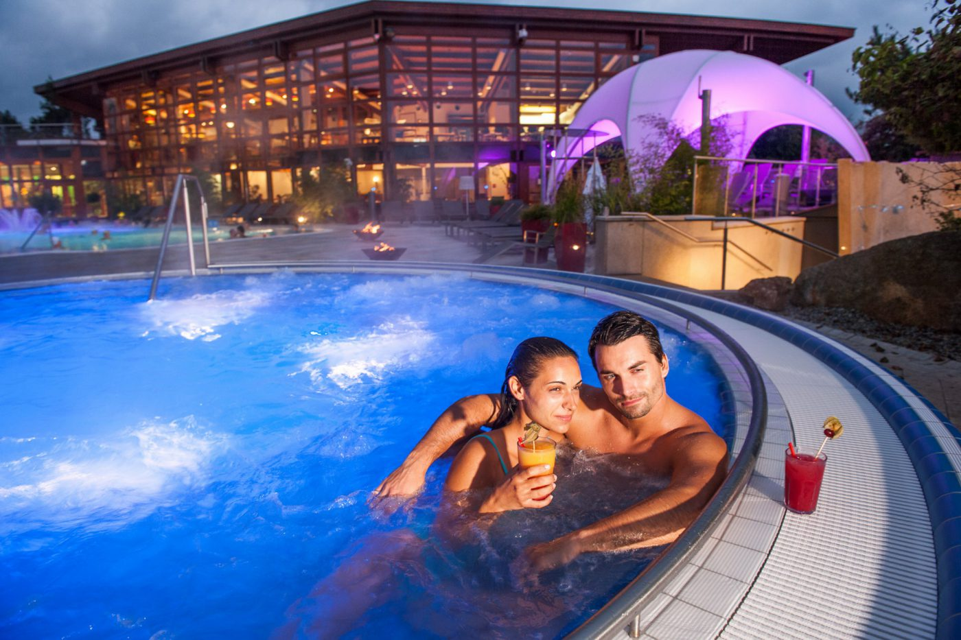 obermain_therme_thermenmeer_whirlpool_cocktails