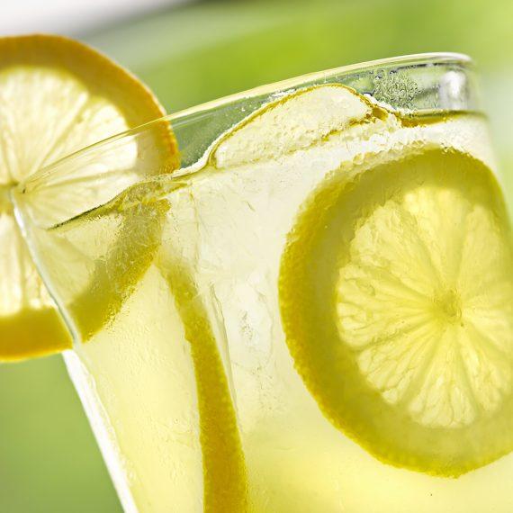 close up photo of a glass of lemonade